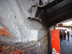 Neuss: Bahnhofsbrücke: Kampfansage an die Tauben