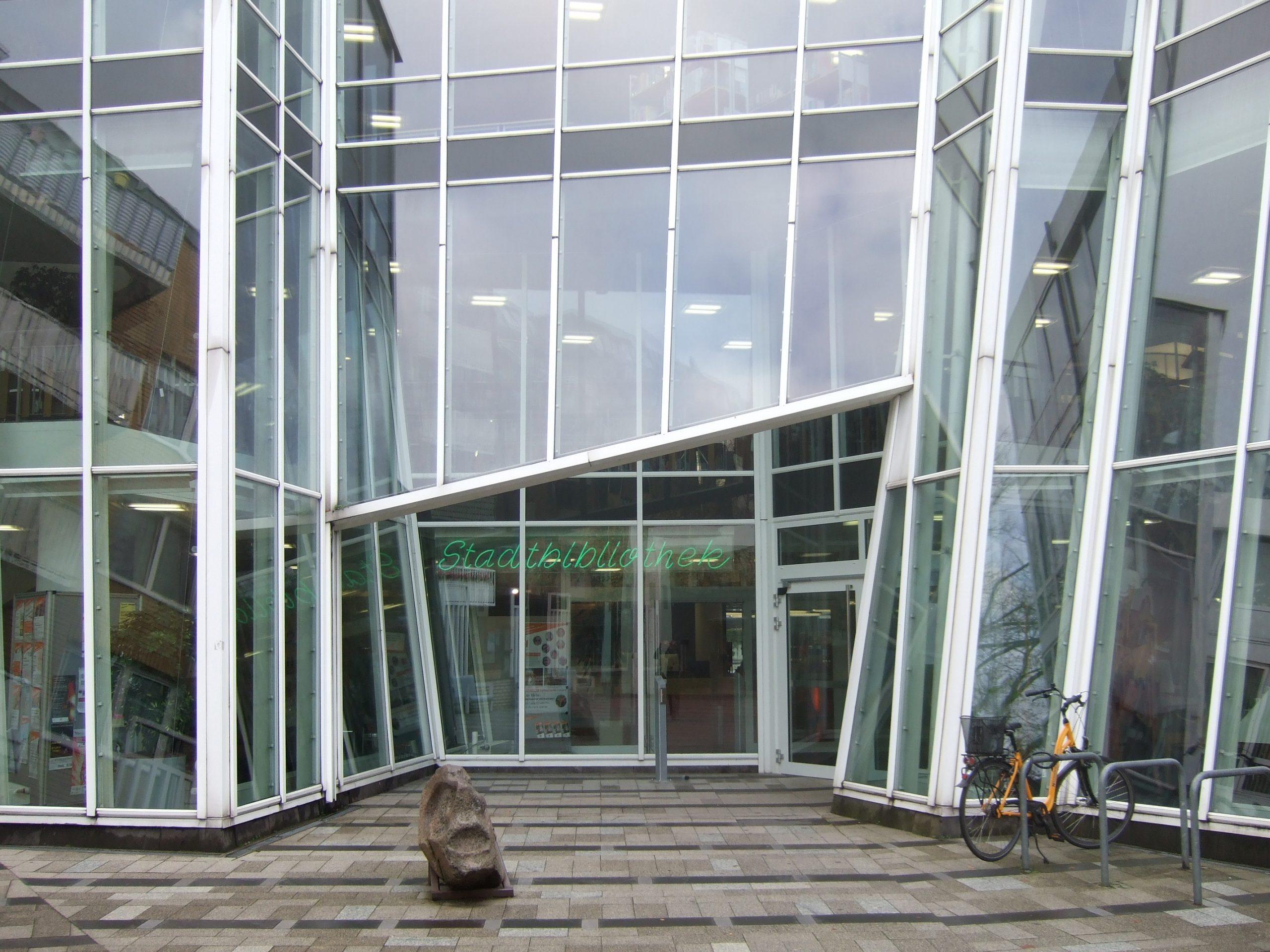 Stadtbibliothek bald mit noch weniger Personal?